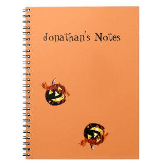 El jugar de las calabazas de Halloween Note Book