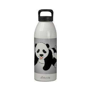 El jugar del cachorro de la panda del bebé botellas de beber