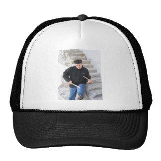 El jugar en las escaleras 2 gorras