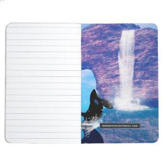 El jugar hermoso de la orca cuadernos grapados
