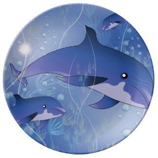El jugar lindo de los delfínes platos de cerámica