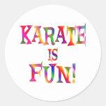 El karate es diversión etiqueta redonda