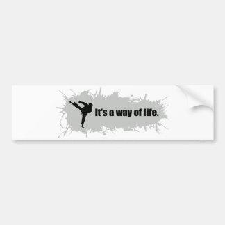 El karate es una manera de vida pegatina para auto