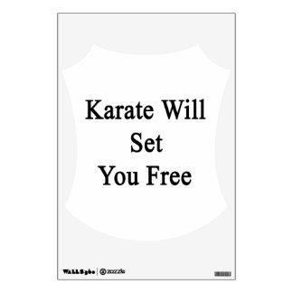 El karate le fijará libre