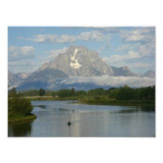 El Kayaking en la impresión magnífica de la foto d