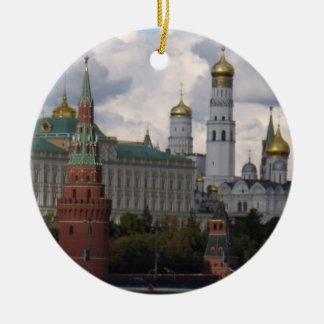 El Kremlin en ornamento de Moscú, Rusia Adorno Navideño Redondo De Cerámica