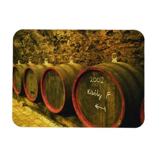 El lagar de Kiralyudvar: Barriles con el vino de T Iman De Vinilo