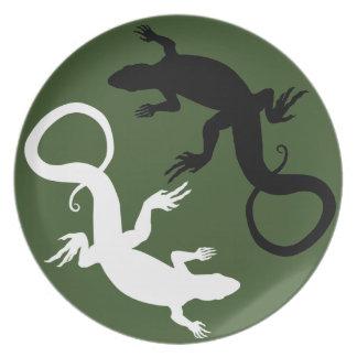 El lagarto platea los regalos del lagarto de las p platos para fiestas