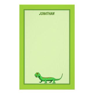 El lagarto verde lindo del dibujo animado embroma   papeleria de diseño
