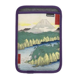 El lago en Hakone Funda De iPad Mini