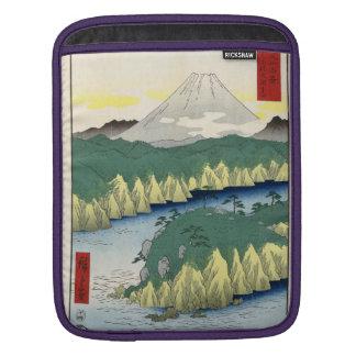 El lago en Hakone Fundas Para iPads