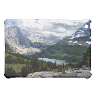 El lago ocultado pasa por alto el Parque Nacional