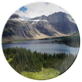 El lago ocultado pasa por alto el Parque Nacional Plato De Cerámica