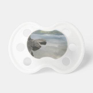 El lago oscila la foto chupete de bebé