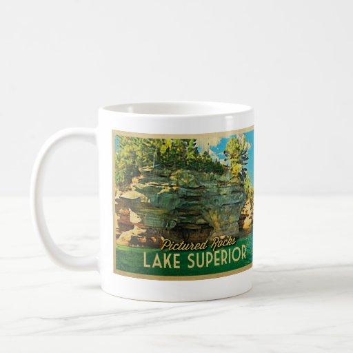 El lago Superior representó rocas Tazas De Café