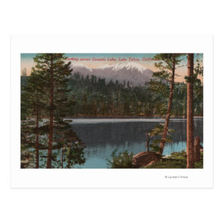 El lago Tahoe, CA - mirando a través del lago Postal