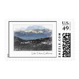 El lago Tahoe California en sello del invierno