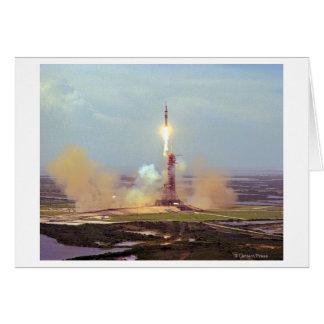 El lanzamiento de Saturn IB del proyecto de la pru Felicitacion
