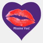 El lápiz labial de la diversión besa a Srta. You Pegatina Corazón