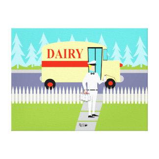 El lechero retro de la pequeña ciudad estiró la lona estirada galerías