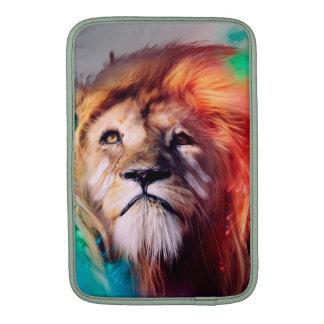El león colorido que mira para arriba empluma el funda para macbook air