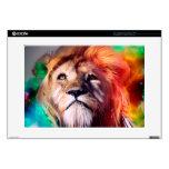 El león colorido que mira para arriba empluma el portátil calcomanía