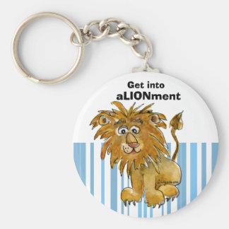 El león del dibujo animado consigue en llavero de