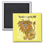 El león del dibujo animado le agradece amarillo de imán para frigorífico