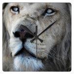 El león escucha mi latido del corazón reloj cuadrado
