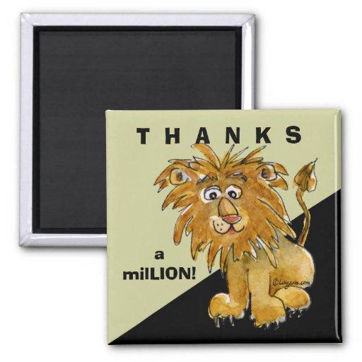 El león lindo del dibujo animado agradece el imán
