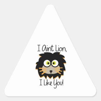 El león tiene gusto pegatina triangular