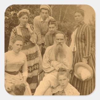 El León Tolstói autor con su familia Pegatina Cuadrada