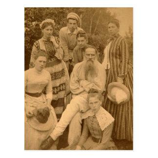 El León Tolstói autor con su familia Postales