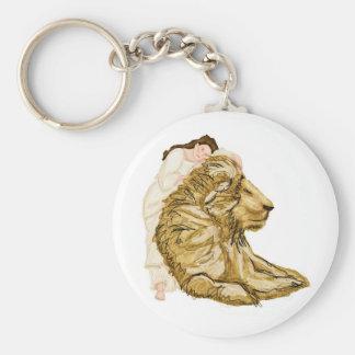 El león y la señora llavero redondo tipo pin
