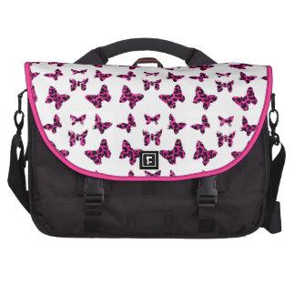 El leopardo rosado mancha el modelo de mariposas bolsas para portátil