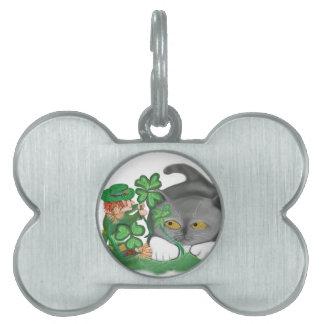 El Leprechaun escoge un trébol de cuatro hojas Placas Mascota