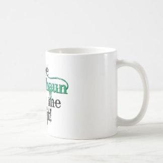 El leprechaun hizo que lo hace (el gorra) tazas de café