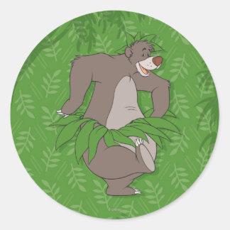 El libro Baloo de la selva con la falda de hierba Pegatina Redonda