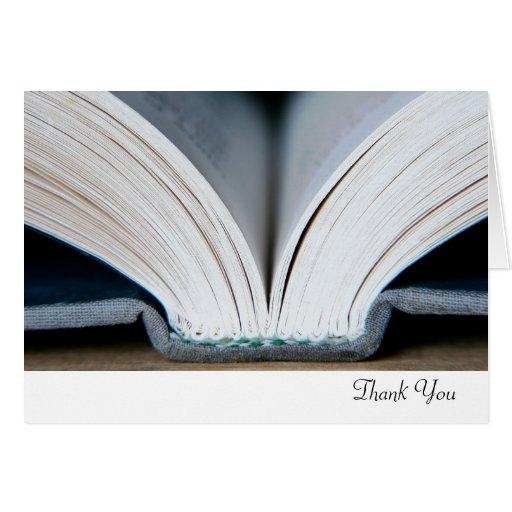 El libro le agradece cardar tarjeta pequeña