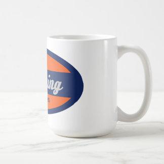 El limpiar con un chorro de agua taza de café