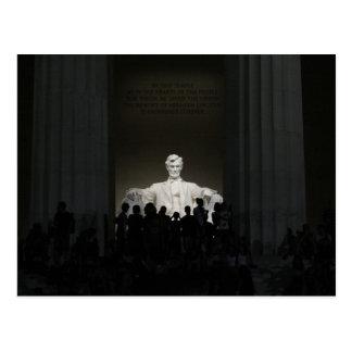 El Lincoln memorial en la postal de la noche