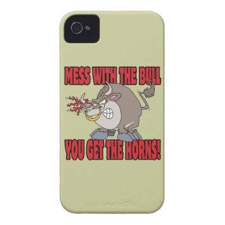 el lío con el toro consigue a cuernos la actitud iPhone 4 protectores
