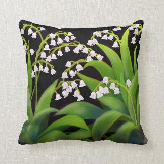 El lirio de los valles florece la almohada cojín decorativo