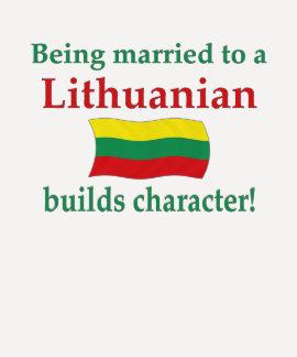 El Lithuanian construye el carácter Camiseta