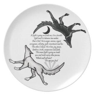 El lobo usted alimenta la placa platos