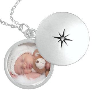 El Locket de la plata esterlina añade al bebé de l Medallón
