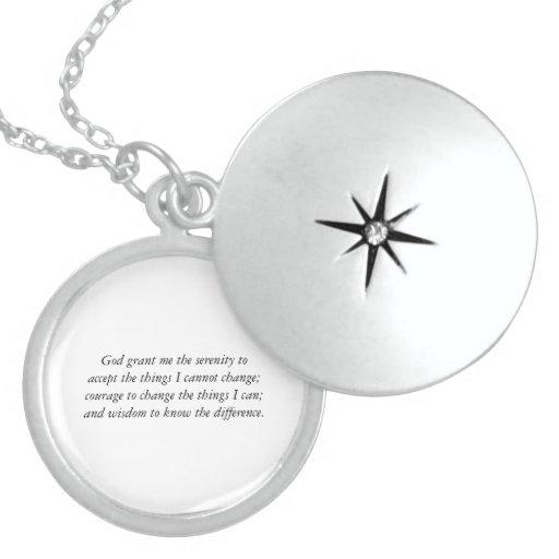 El Locket de la plata esterlina del rezo de la Pendientes