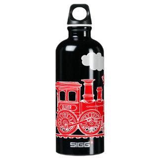 El loco conocido de los niños rojos del tren bebe botella de agua