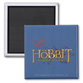 El logotipo de Hobbit sobre las montañas Imanes