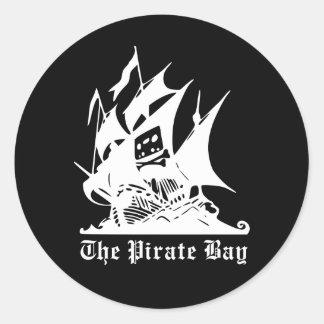 el logotipo del barco pirata de la bahía del pegatina redonda